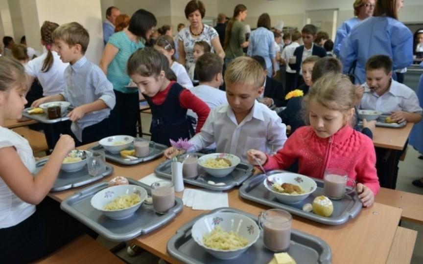 Noile taxe pentru alimentaţia în instituţiile de învăţământ vor fi publicate în Monitorul Oficial