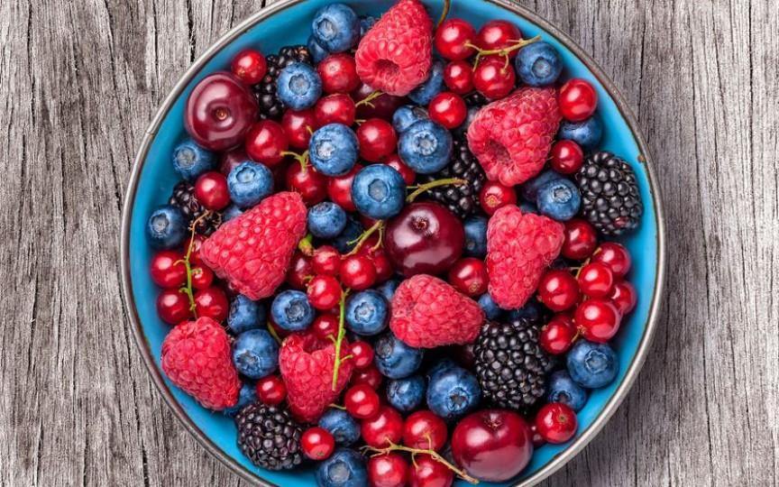 Fructele verii - secretul tinereţii