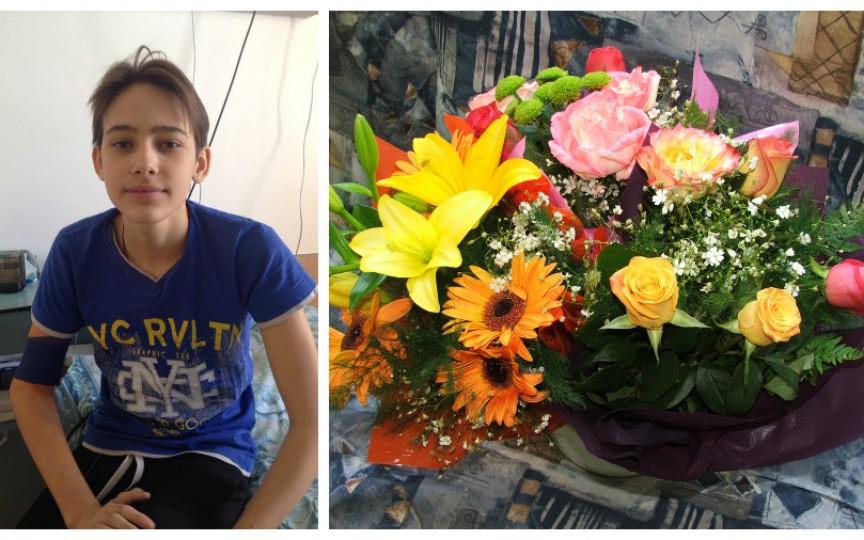 Profesorii unui liceu renunţă la flori de 1 septembrie pentru a salva viaţa unui elev!