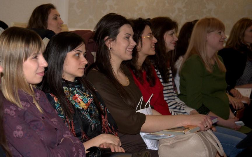 Peste 200 de mame s-au adunat la ȘEZĂTOARE