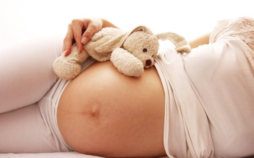 Maternitățile de stat vs maternitățile private. Tu unde alegi să naști?