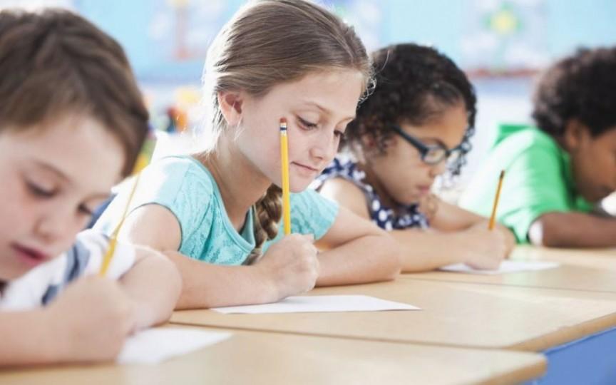 Agenția Națională de Sănătate Publică: Nu este real și oportun să poarte măști copiii la școală