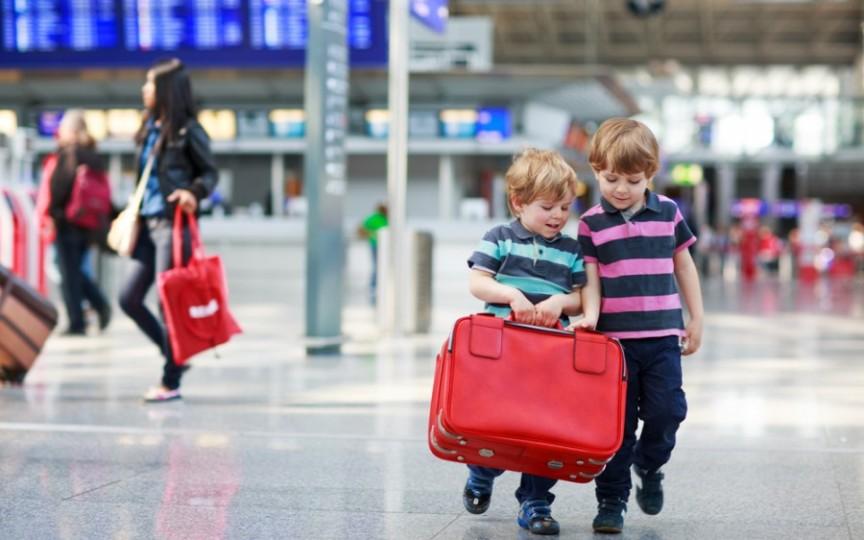 ATENȚIE la documentele copiilor atunci când programați o vacanță în afara țării