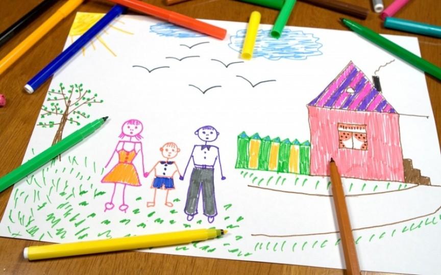 Desenele copiilor vorbesc despre starea lor. Află cum să le interpretezi!