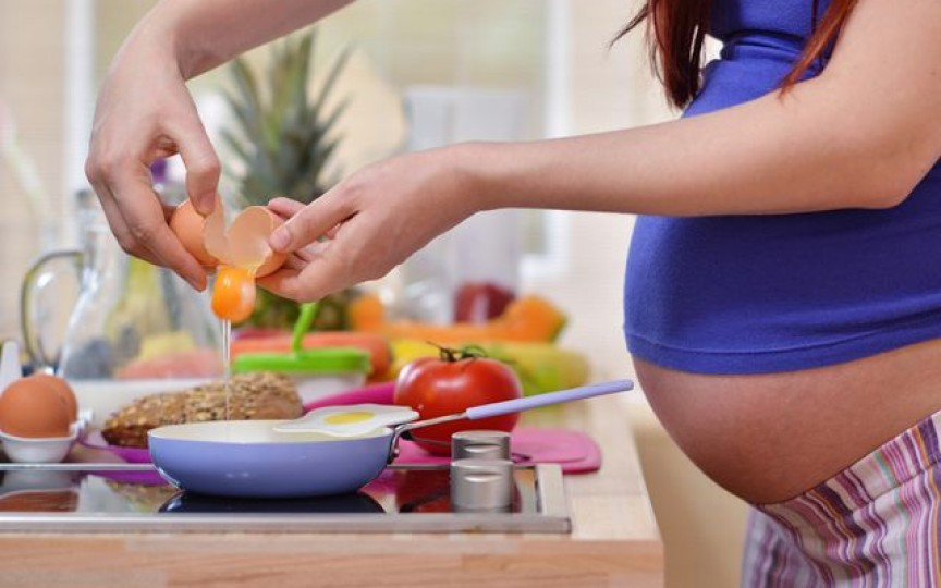 Nutriţionist: Ce trebuie să mănânce o femeie însărcinată
