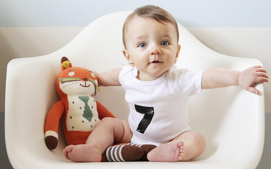 Primul zâmbet, primul pas, primul cuvânt… 7 momente importante în dezvoltarea bebelușului și când au loc