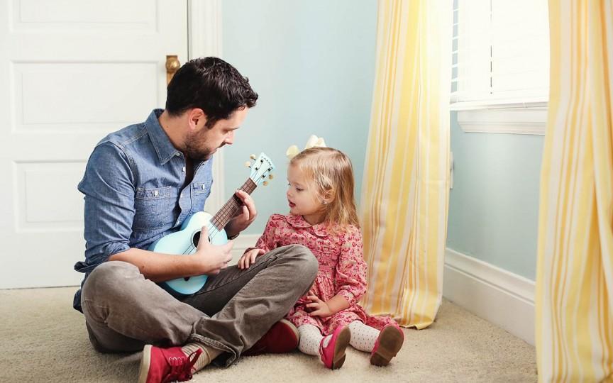 Tata-i la serviciu: Ce faci pentru o relaţie armonioasă TATĂ-COPIL!