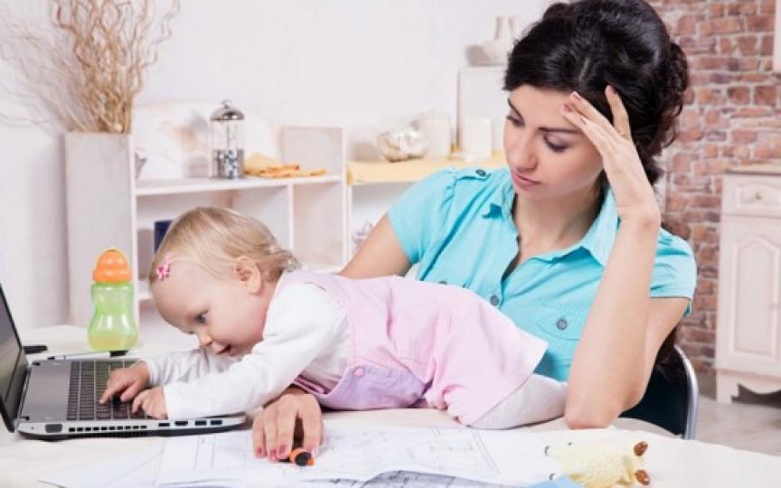 Ce e mai dificil: să stai acasă cu copilul sau să mergi la serviciu?