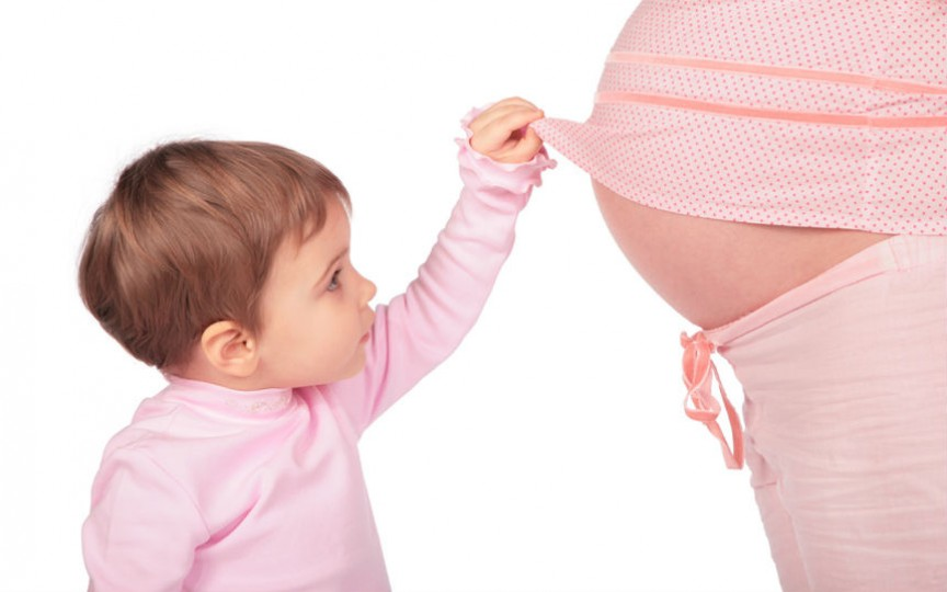 Idei de cadouri pentru gravide și nou născuți