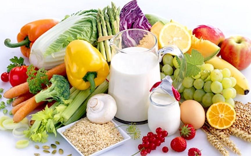 Medic nutriționist: 11 alimente de care să profitați în primăvară pentru a slăbi