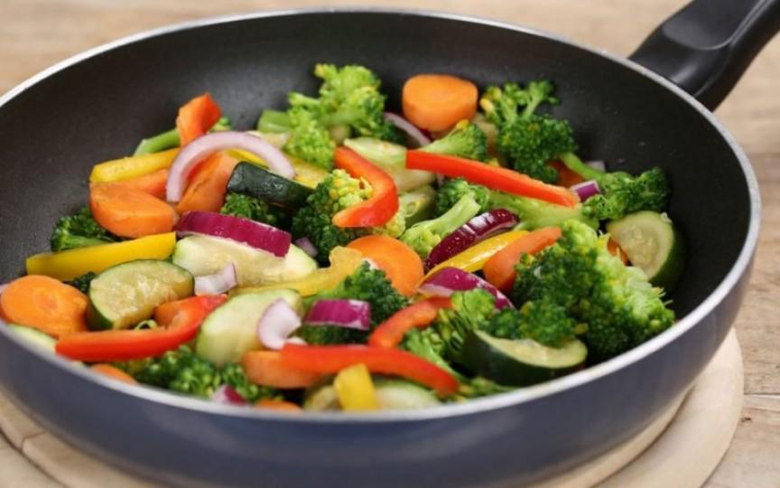 5 legume care sunt mai sănătoase gătite decât crude