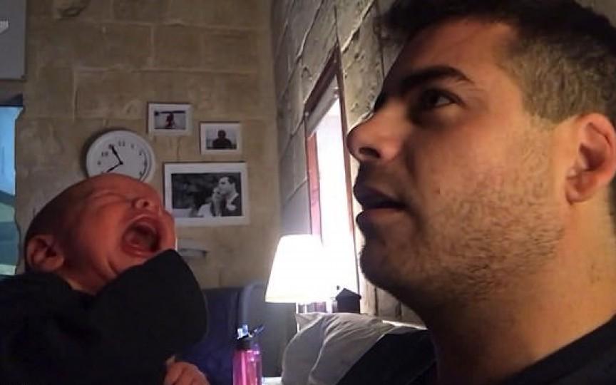Metoda inedită prin care un tătic își oprește bebelușul din plâns