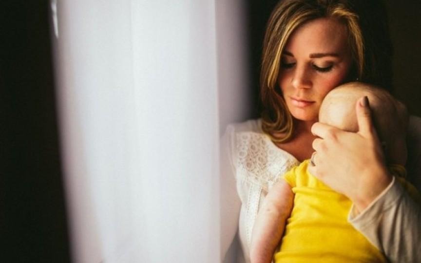 Cu cât ne îmbrăţişăm copiii mai des, cu atât aceștia cresc mai deştepţi