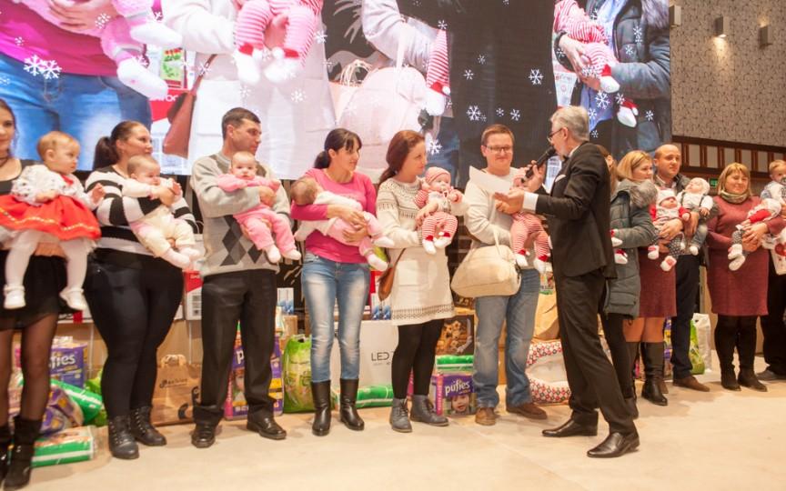 Daruri generoase de Crăciun pentru familiile cu tripleți din țară!