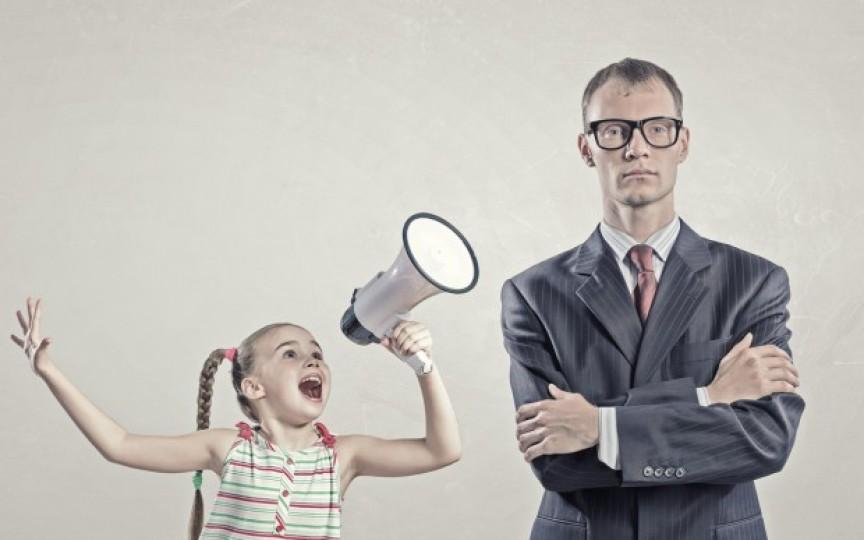 Experiment social: Cum reacționează copiii la indiferența părinților