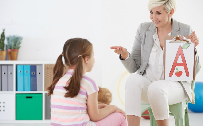 Recomandarea specialistului: Când trebuie să mergem cu copilul la logoped