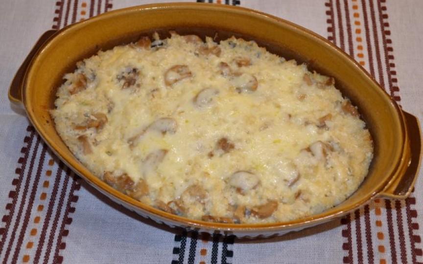 Conopidă cu ciuperci la cuptor