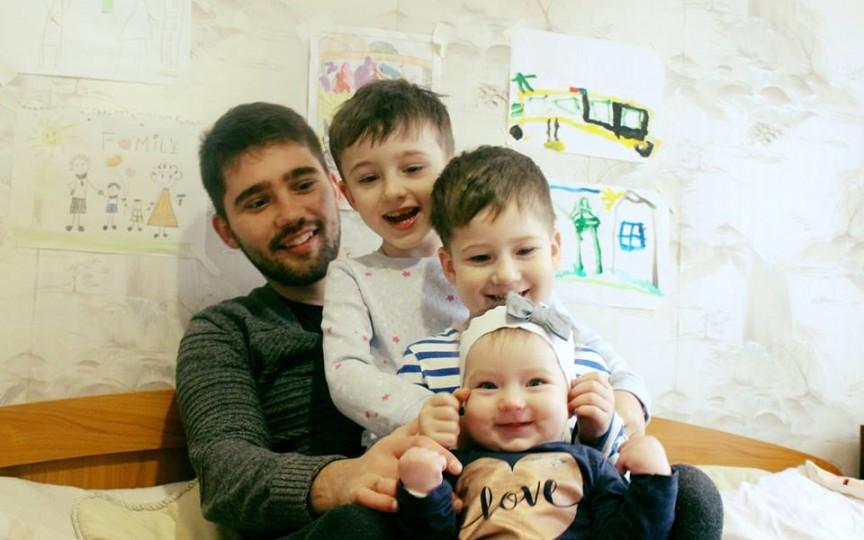 Bărbații despre sarcină și naștere. Ion Andronache: Nu le impuneți copiilor roluri separate pentru băieți și pentru fete!