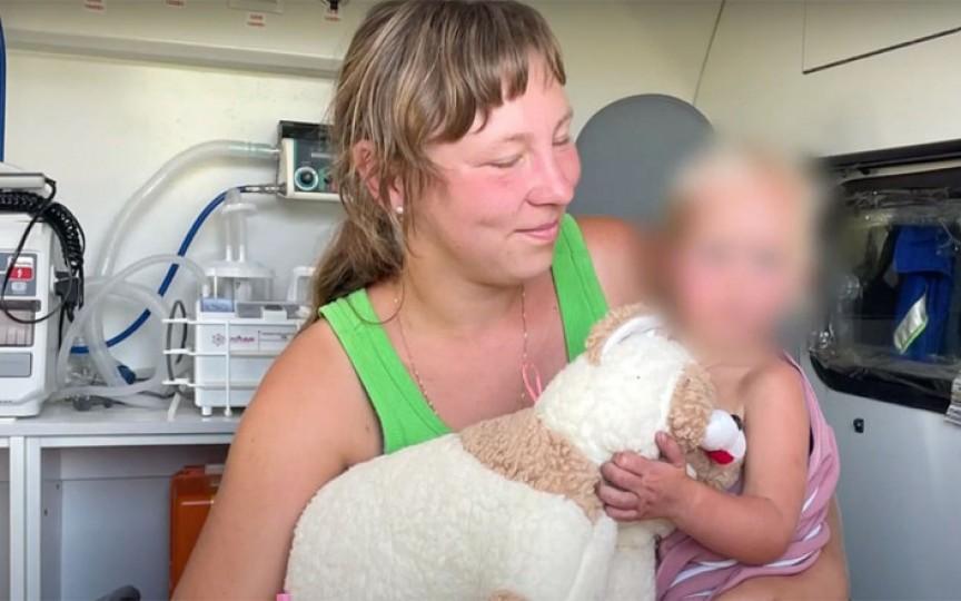 O fetiță de 2 ani a supraviețuit 4 zile într-o pădure, după ce a plecat de acasă