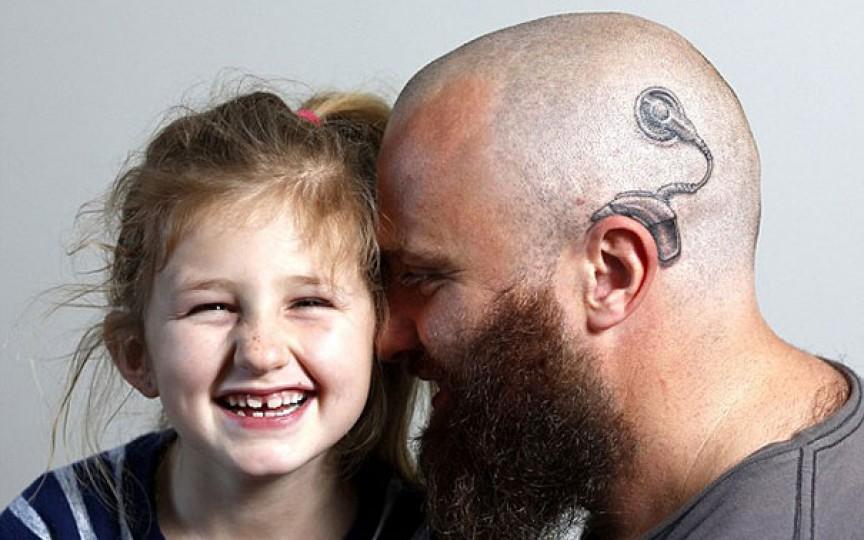Gestul impresionant al unui tată, pentru fiica sa cu probleme de auz