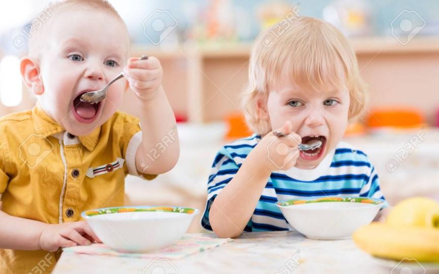 Grav! O mamă atenționează cât de mare este cantitatea de zahăr din alimentația copiilor la grădinițele noastre