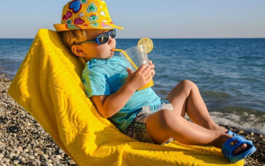 Simptomele insolației și cum ne protejăm copiii de ea