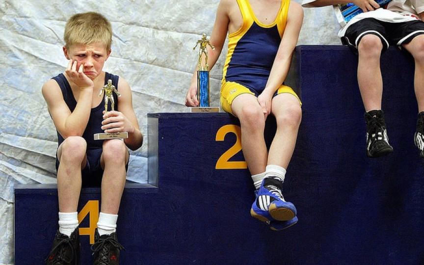 Cum îl înveți pe copil să accepte o înfrângere