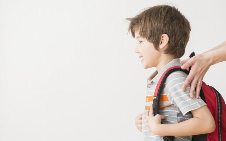 Care este vârsta la care copilul tău poate merge singur la şcoală?