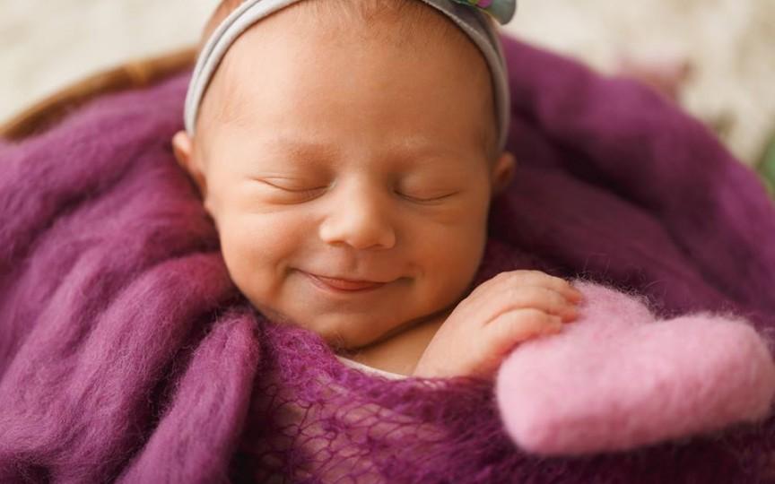 Irina Spinei, fotograf newborn: Fotografia este unicul instrument capabil să oprească timpul în loc