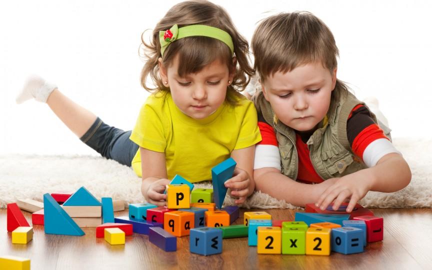 Jocuri interesante pentru copii care pot fi practicate în casă