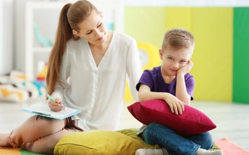 Știi cum să crești copii liberi? 5 pași de pus în aplicare de către părinți