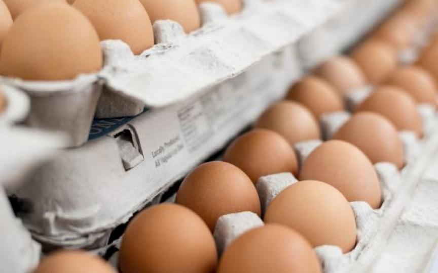 Cum îți dai seama dacă ouăle din comerț sunt proaspete