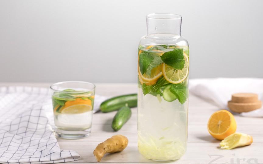 Soluție contra balonării - limonada cu mentă, ghimbir şi castravete