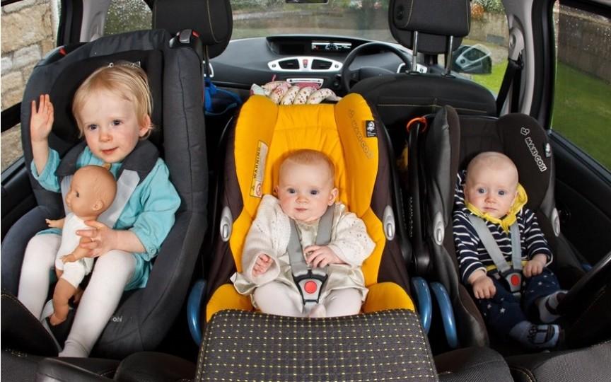 Amenzi majorate pentru transportarea copiilor fără scaun auto şi centura de siguranţa necuplată
