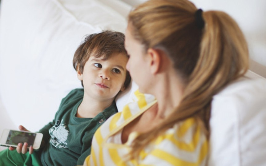 Psihiatru: Relația copil-părinte modelează caracterul viitorului adult