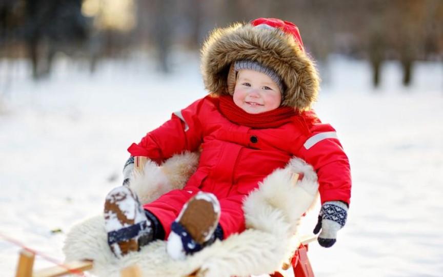 Cum să protejezi pielea bebelușului în timpul iernii și ce afecțiuni pot apărea