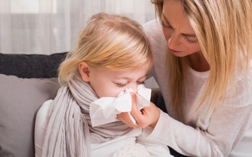 Răceala la copii. Cum putem scăpa de ea chiar de la primele simptome?