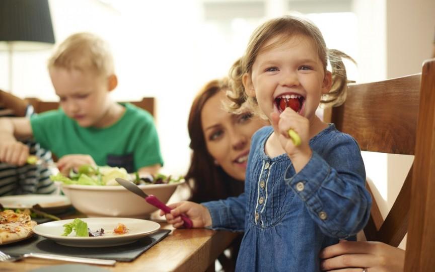Nutriționista Mihaela Bilic: Pentru cei 7 ani de-acasă, învață ce să-i pui pe masă!