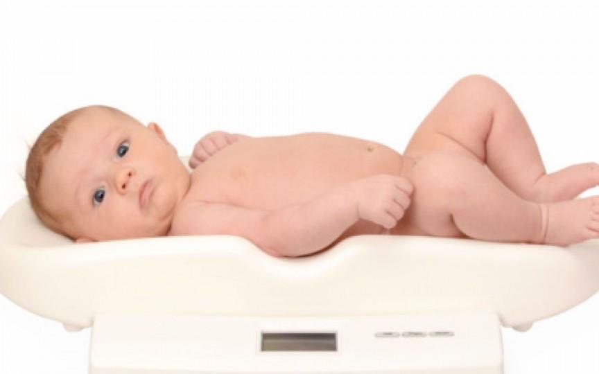 Oare copilul meu a luat în greutate cât trebuie? Grafic de creștere de la naștere până la 3 ani