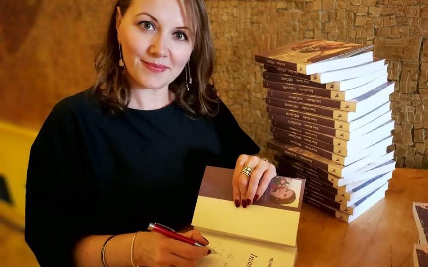 Irina Binder: Eu nu doar scriu. Mai fac contabilitate și am opt copii luați de suflet