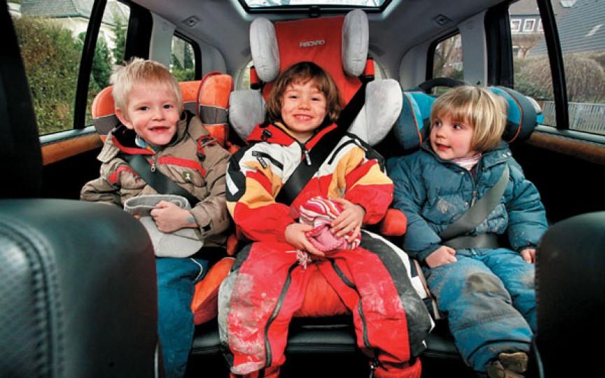 Urania Cremene subliniază 3 lucruri de care trebuie să țină cont părinții, atunci când transportă copiii cu mașina