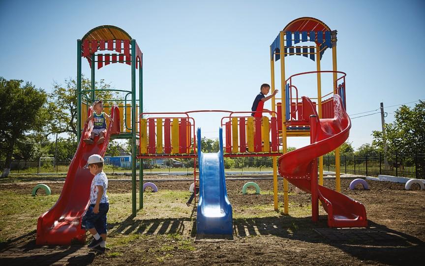(FOTO) Peste 900 de grădinițe din Republica Moldova au fost reparate de România. Investiția a depășit 26 de milioane de euro