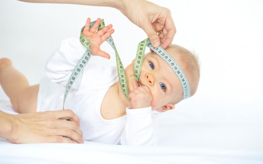 GHID de dezvoltare a bebeluşului până la 1 an