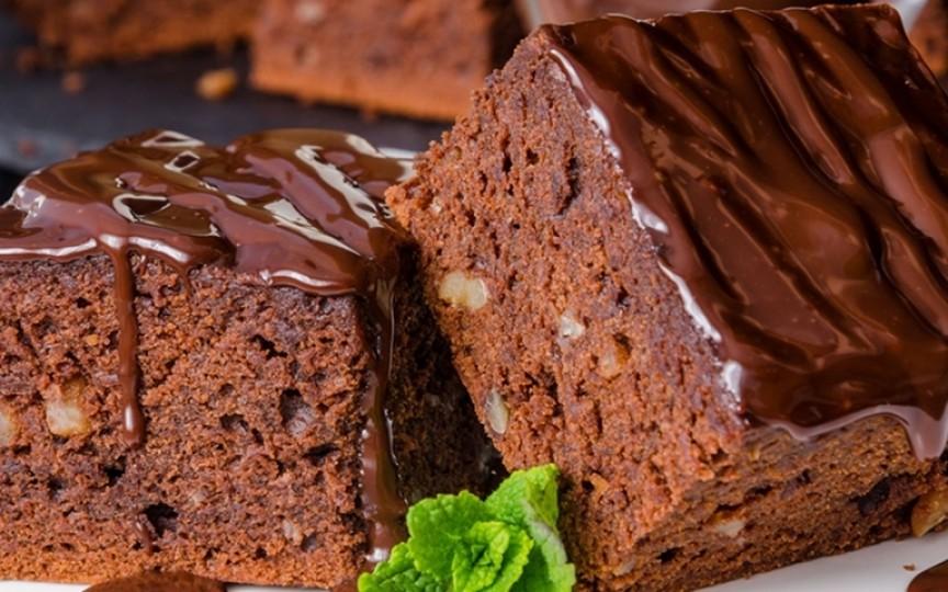 Negresă de post cu glazură – un desert ce te cucerește din prima