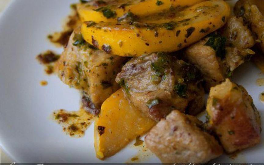 Carne de porc cu gutui – aroma acestei mâncări e de nedescris