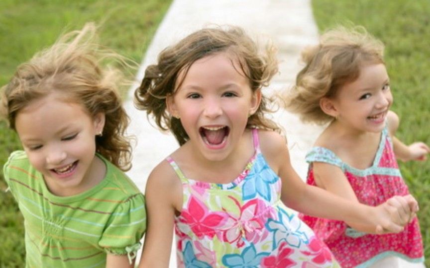 6 sfaturi de la Harvard despre cum să creşti un copil fericit