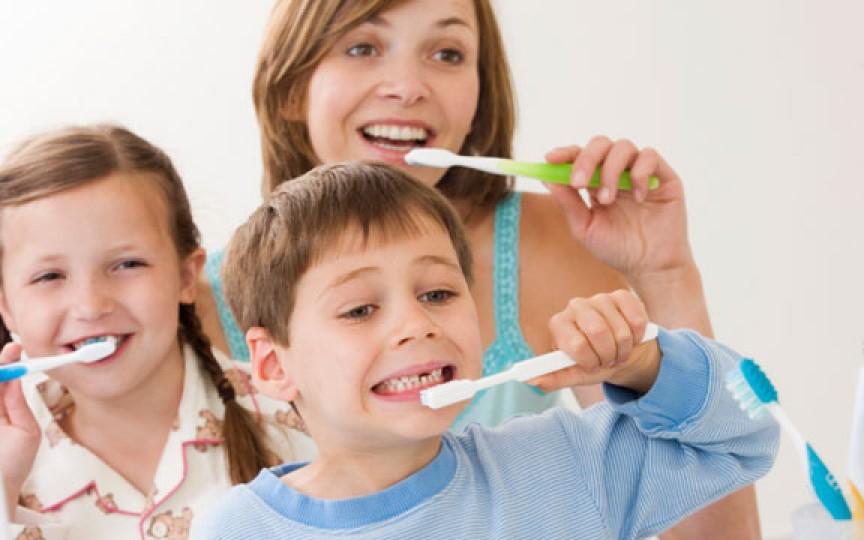 6 cazuri de utilizare a pastei de dinți mai puțin cunoscute în îngrijirea copiilor