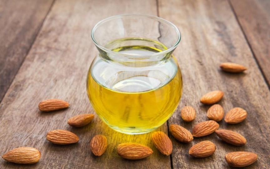 6 uleiuri naturale benefice pentru piele, păr, unghii și dinți