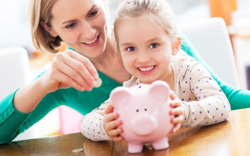 Educaţia financiară a copilului începe de acasă