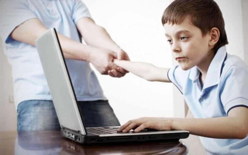 Soluţii! Copilul meu este dependent de calculator